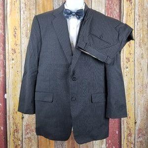 Hickey Freeman Wool Gary Pinstripe 2 Piece Suit 42